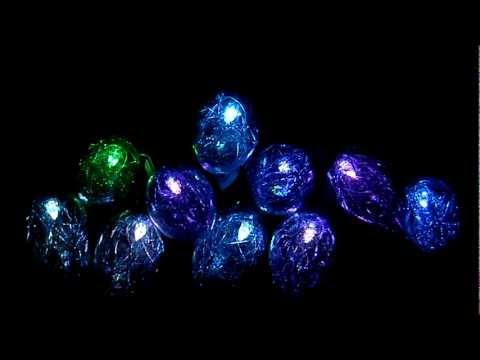 String Lights, 10 Color Changing LED Bulbs with Tinsel-Demo