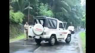 Kerala Police Fight on Road