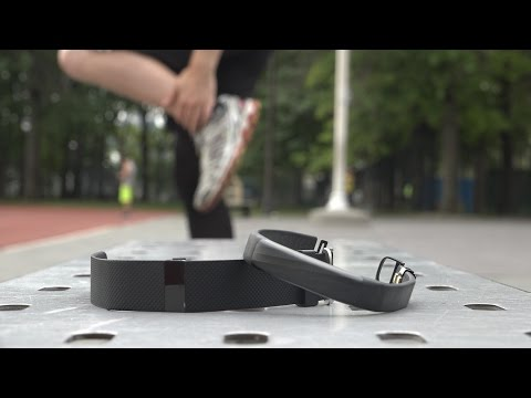 Jawbone UP3 VS Fitbit Charge HR: Top Two Fitness Tracker Companies Battle Again