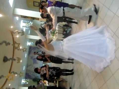 Танец невесты армянской свадьбы...