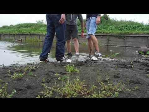 Muddy Shoe Play w/ Messyste1 & Ben Bronx