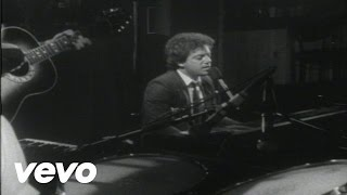 Watch Billy Joel Everybody Loves You Now video