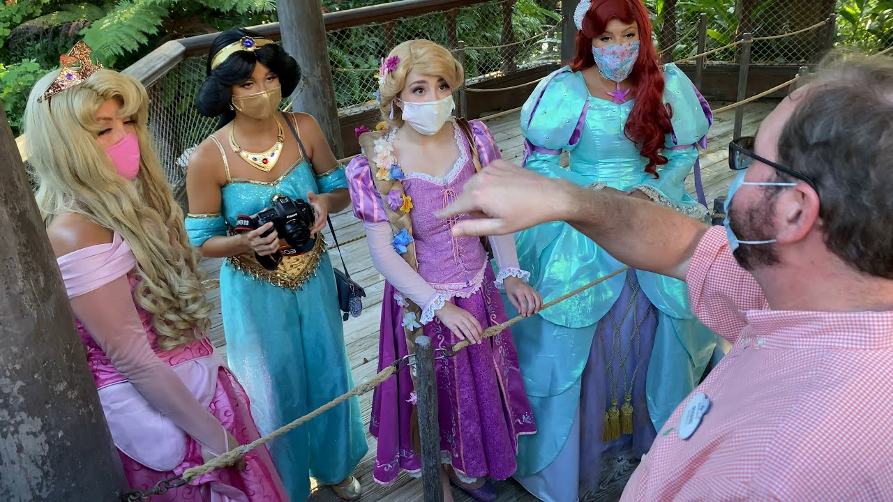 Disney Princesses Kicked Out Of Disney World!