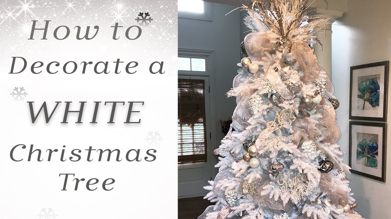 How to Decorate a White Christmas Tree