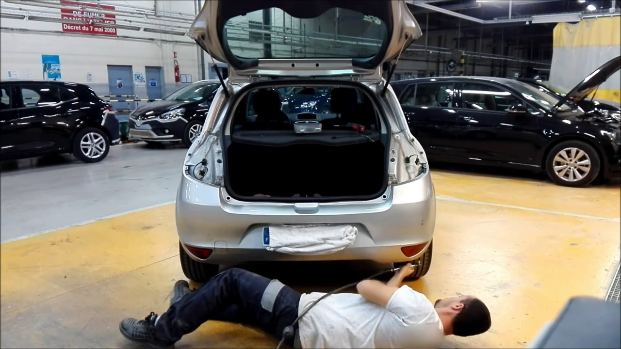 tuto d montage pare choc ar renault clio 3 disassembly. Black Bedroom Furniture Sets. Home Design Ideas