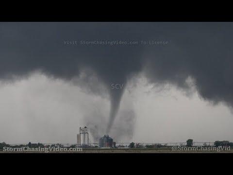 Amazing Tripoded Video of the tornado hitting Selden, KS - 5/24/2021
