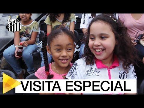 Um dia especial: crianças atendidas por paróquia conhecem a Vila Belmiro