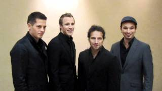 The Canadian Tenors learn how to say hello to their Thai fans