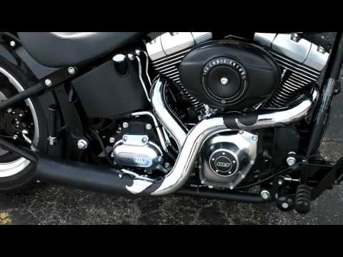SuperTrapp Road Legends Black Phantom II for Softails and Dynas mp4