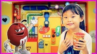 라임의 거대 엠엔엠 초콜릿 쇼핑! Giant M&M Candy in Toy Store Let's go shopping song | nursery rhymes