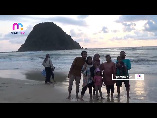 Banyuwangi - Pengunjung Mulai Ramai, Jasa Foto Kilat Pantai Pulau Merah Mulai Menggeliat