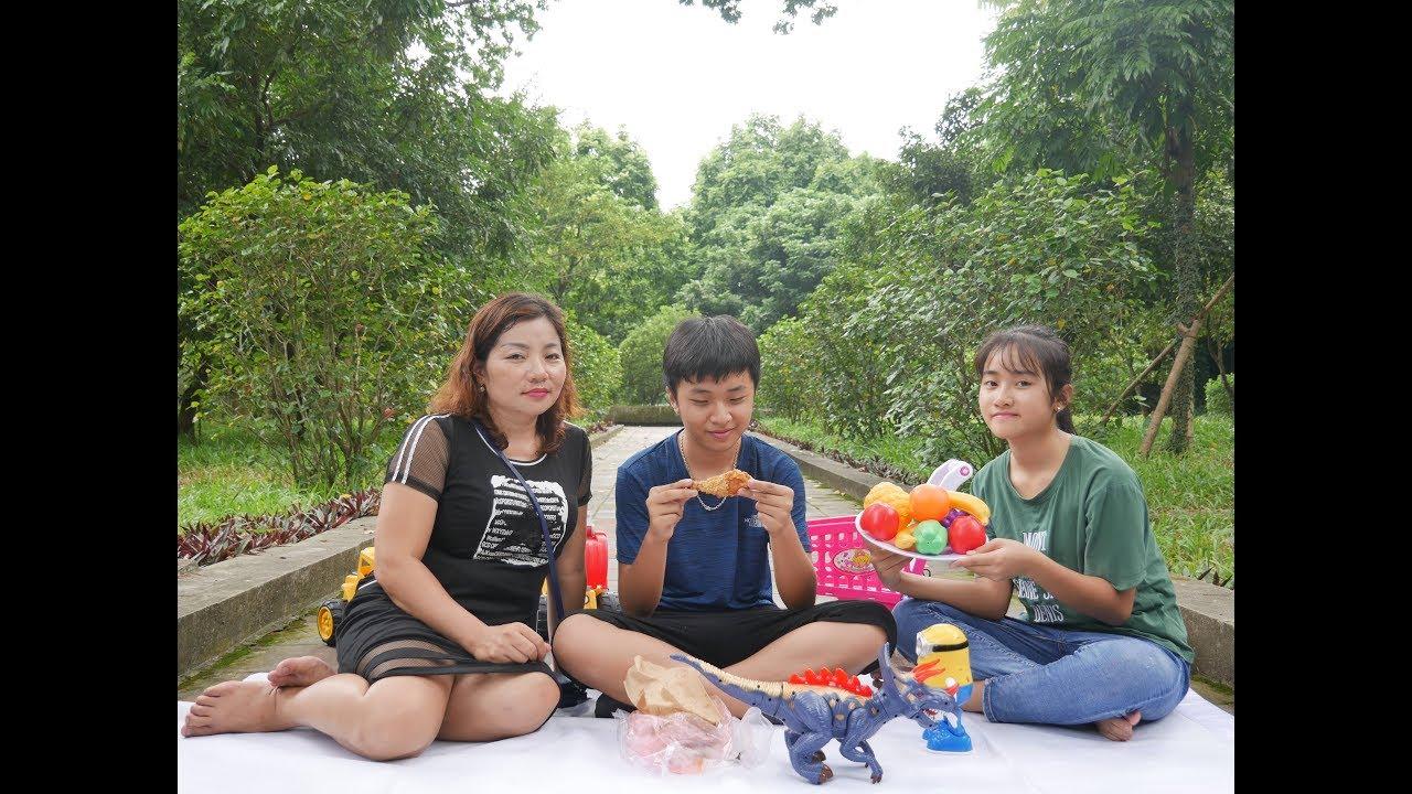 Người Mẹ Thiên Vị - Con Cũng Muốn Ăn Đùi Gà Chiên - Cha Mẹ Cần Đối Xử Công Bằng Với Con Cái MN Toys