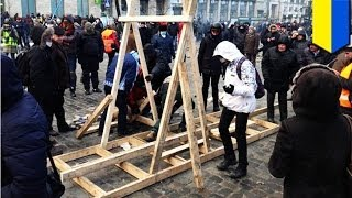 Ukraine Protests Go Medieval, Kiev Rioters Unleash Catapult On Police