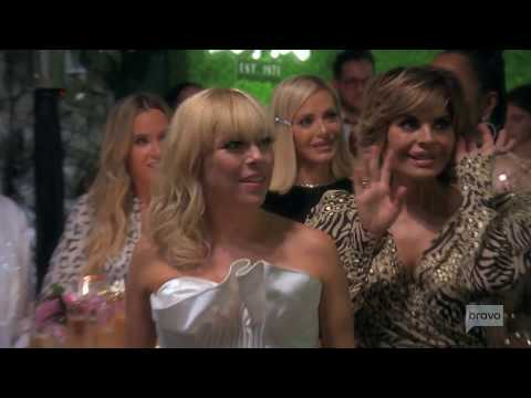 Inside Bravocon and more about Real Housewives on Housewives Hangover | Page Six Entertainment NewsKaynak: YouTube · Süre: 5 dakika22 saniye
