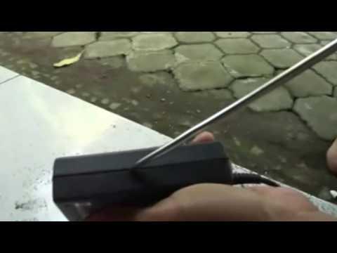 Cara Membuka Charger Laptop