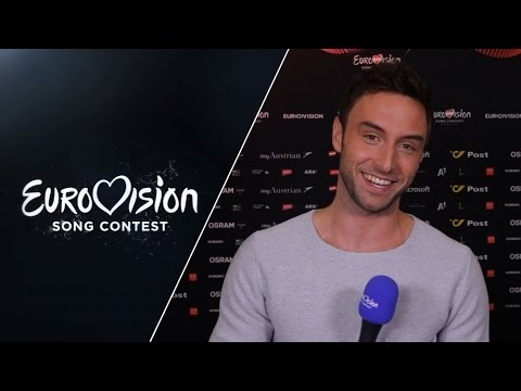 Måns Zelmerlöw (Sweden) shows how to do the dance of Heroes