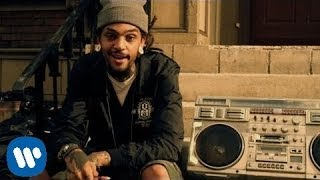 Gym Class Heroes' music video for 'Stereo Hearts' featuring Adam Le...