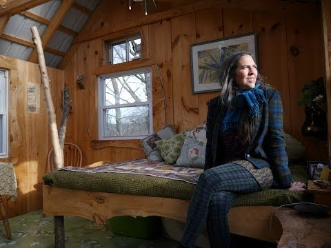 This woman runs a TREE HOUSE INN in the Berkshires- (Tiny House on a Farm....