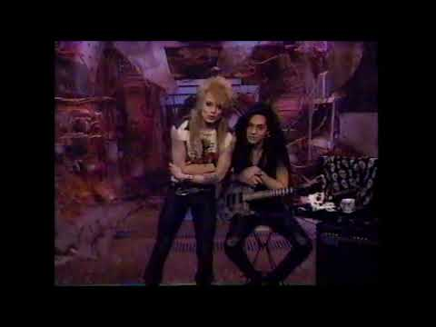 Vintage Clip: Mike Monroe From Hanoi Rocks Thanks Axl Rose and Guns N Roses For Their Support 1990