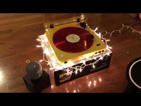 Vinyl & Turntable : Michael Buble Christmas