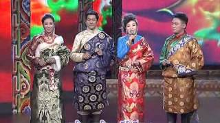 Amdo Tibetan dialect w/ Tibetan Subtitles | Qinghai TV Station Losar Show [Part 2/4]