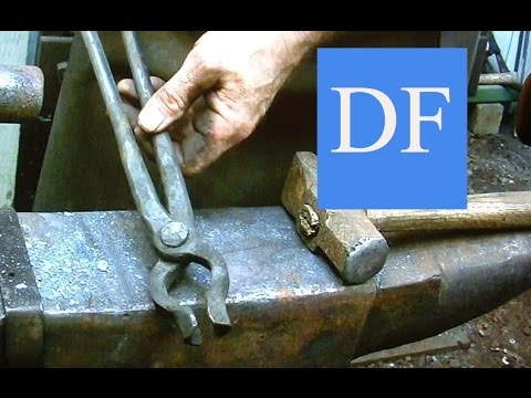 Blacksmithing for beginners -  Forging blacksmith tongs  5