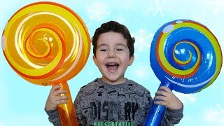 Dev Şekerler | Yusuf pretend play with giant candy toys, johny johny yes papa
