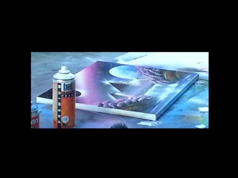 Amazing spray paint art – Pyramide with pink/purple sky – made by street artist