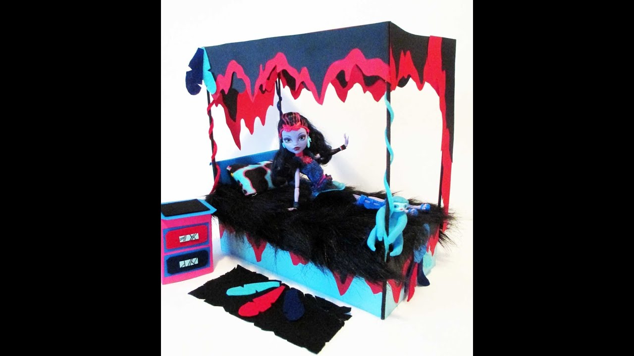 Simple deco chambre monster high with deco chambre monster for Stickers monster high pour chambre