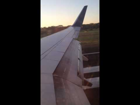 Delta Airlines Landing in San Salvador on board B737-800 daily service flight from Los Angeles