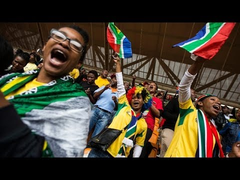Nelson Mandela memorial service in Johannesburg attracts tens of thousands