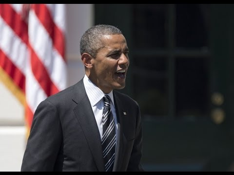 Obama makes statement on White House lawn