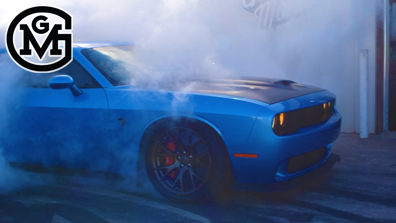 Build A Dodge >> 1200hp Dodge Challenger Hellcat Tears Up Gas Monkey Build Of The Week