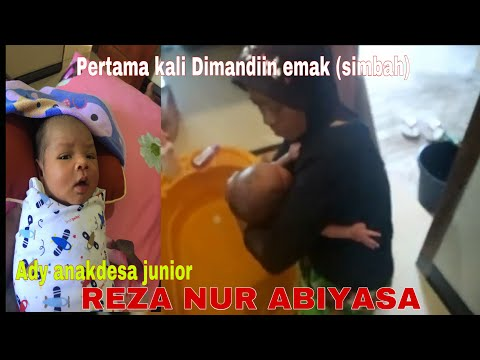 ANAK GANANG ( Reza Nur Abiyasa ) DI MANDIIN IBUNDA (simbah)