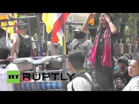Thailand: Protesters surround Bangkok police HQ