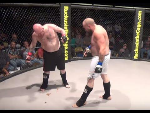 Lutador caga durante luta de MMA nos Estados Unidos
