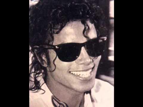 dbb7db96d6 Michael Jackson sunglasses - Ray Ban Aviators vs. Wayfarers - YouTube