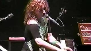 tori amos 5 little earthquakes albany'new york aug 5 1998