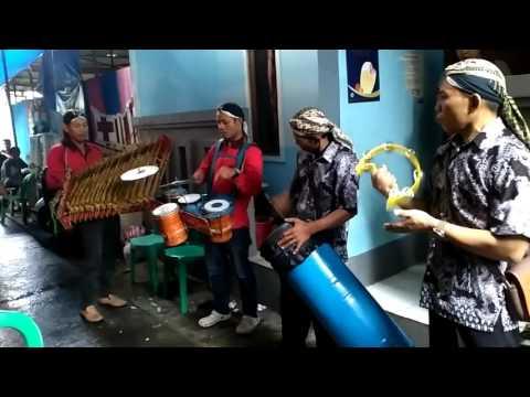 Sholawat Gusdur Versi Angklung