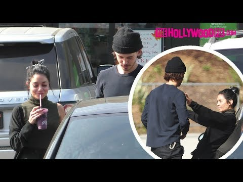 Vanessa Hudgens & Austin Butler Pull Over For A Make Out Session After Picking Up Smoothies thumbnail