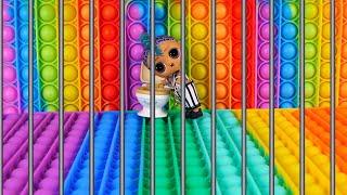 Полицейский посадил Панки в тюрьму из ПОП ИТ! Челлендж Побег из тюрьмы! Сериал про куклы лол сюрприз