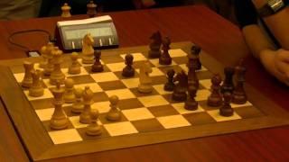 Levon Aronian crushes Hikaru Nakamura in a decisive game of the World Blitz Chess Championship 2010