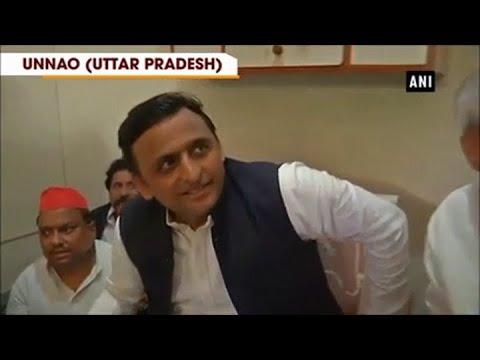 Akhilesh Yadav detained on Agra-Lucknow Expressway