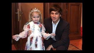 ДЕТИ ПУГАЧЕВОЙ И ГАЛКИНА - «на маму так похожа»:  Максим Галкин показал подросшую дочь