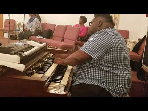"Elder Edgar Johnson Jr. Organ Tribute ""I Don't Feel Noways Tired"" (5/18/18)"