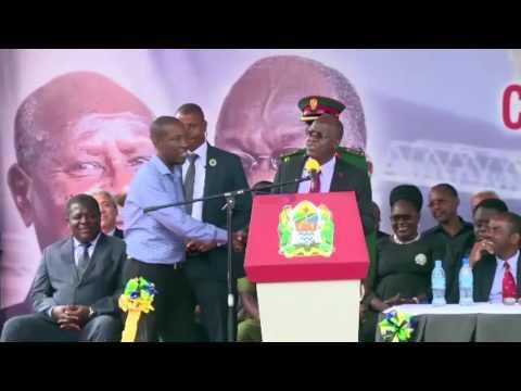 Azam TV – Magufuli awapatanisha Ruge na Makonda jukwaani
