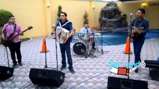 Los Juniors De Culiacan - El Rey De La Noche  (En Vivo 2013)