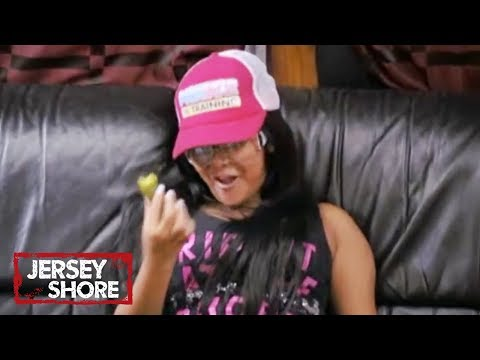 'Snooki's Pickles' Official Throwback Clip | Jersey Shore | MTV