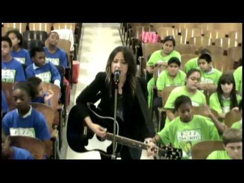 KT Tunstall & PS22 Chorus