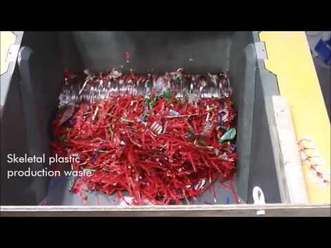 Easy maintenance plastic shredder demonstration